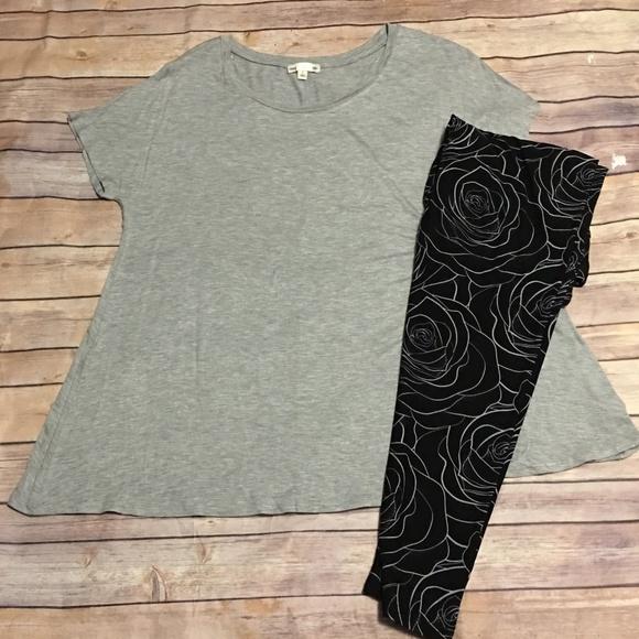 Tops - Athletic Gray Short Sleeve Crew Neck Top